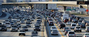 O trânsito abarrotado de carros de Los Angeles