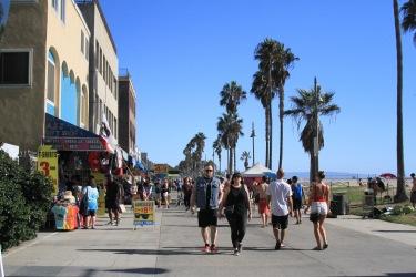 Calçadão de Venice à beira mar