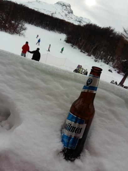 Quilmes gelada: a recompensa pelo esforço na neve