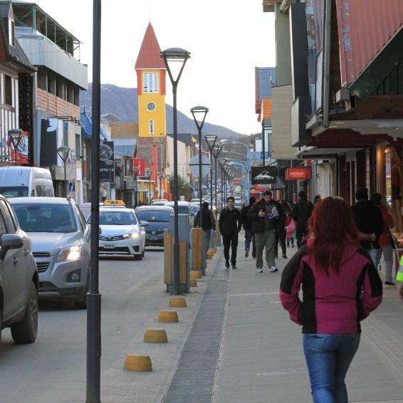 A Avenida San Martin, centro do Ushuaia