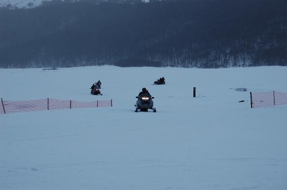 Passeio de moto de neve em Tierra Mayor