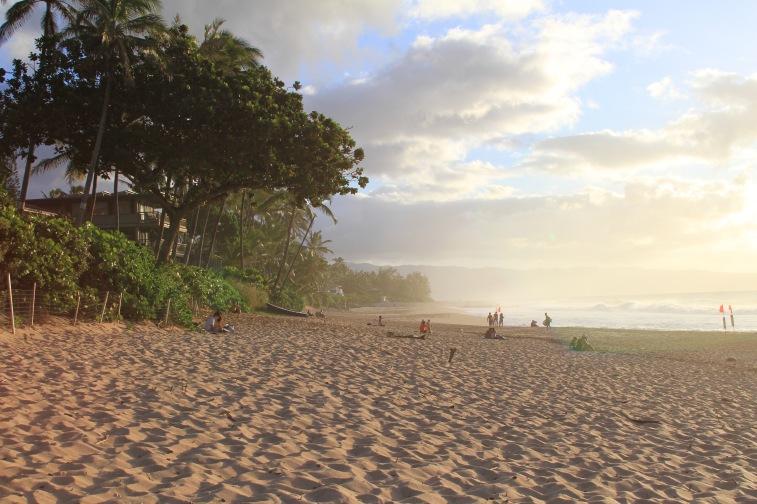 A praia de Ehukai, em frete à famosa onda de Pipeline