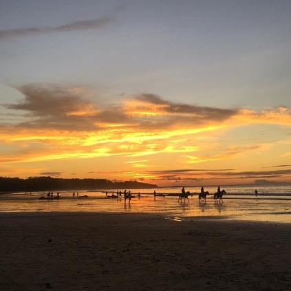 O Por do Sol em Tamarindo é lindo!